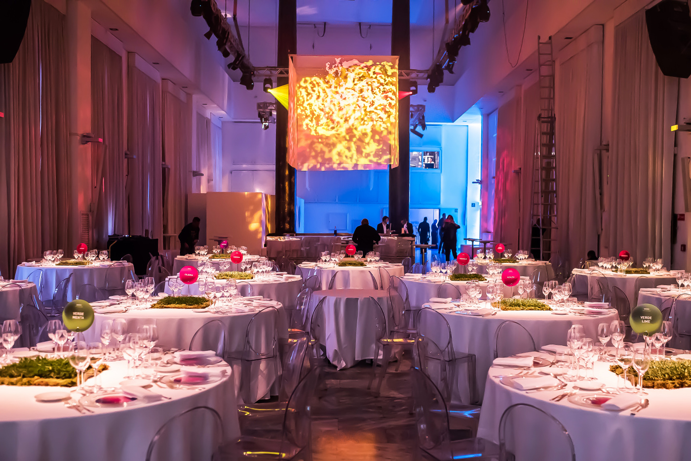 Event for a company in Italy with round tables