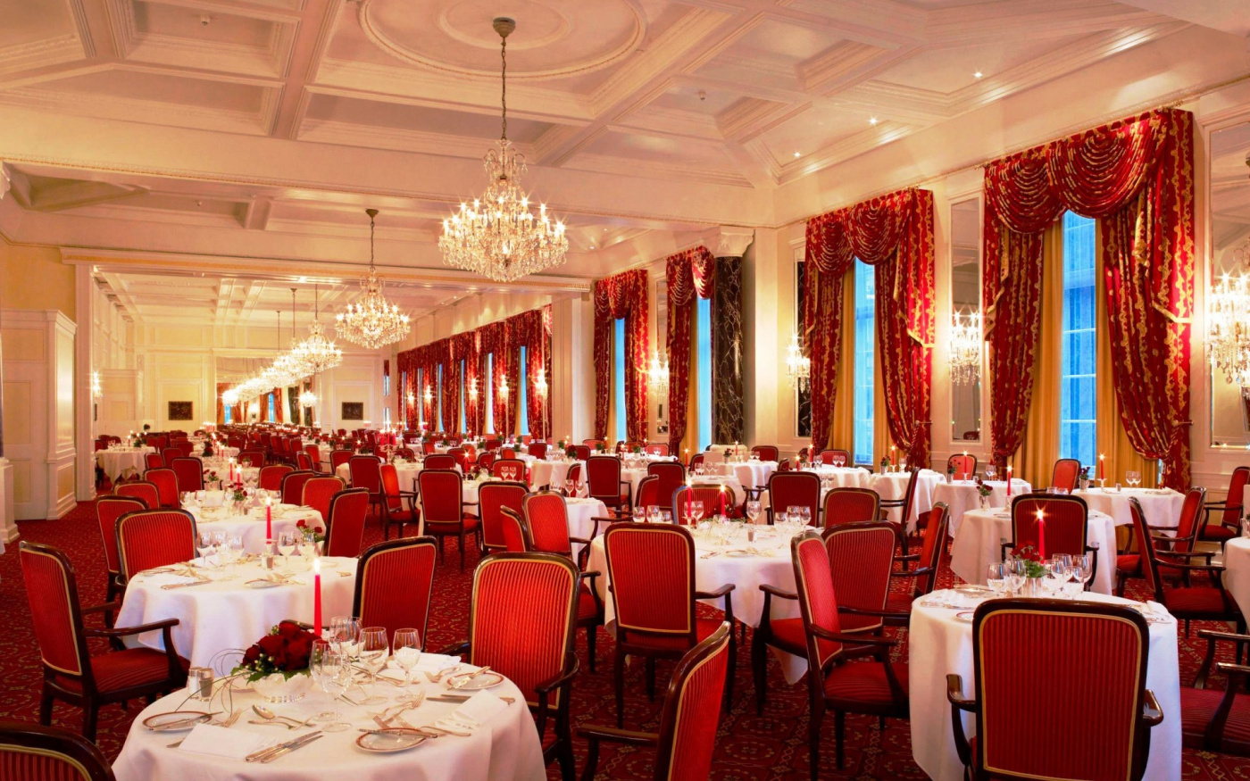Ballroom with red details for wedding in saint moritz