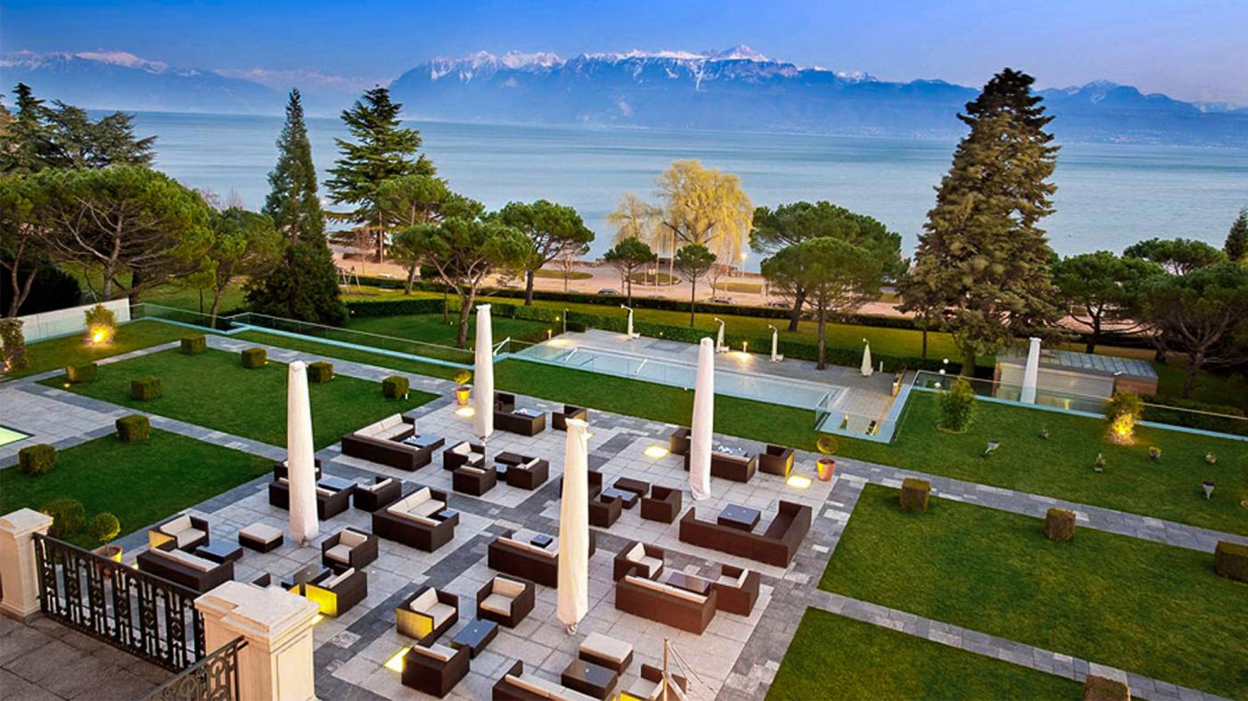 Garden with lake view for weddings in Lake Geneva